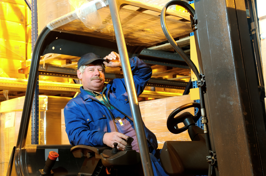 what makes a forklift operator  basic qualifications